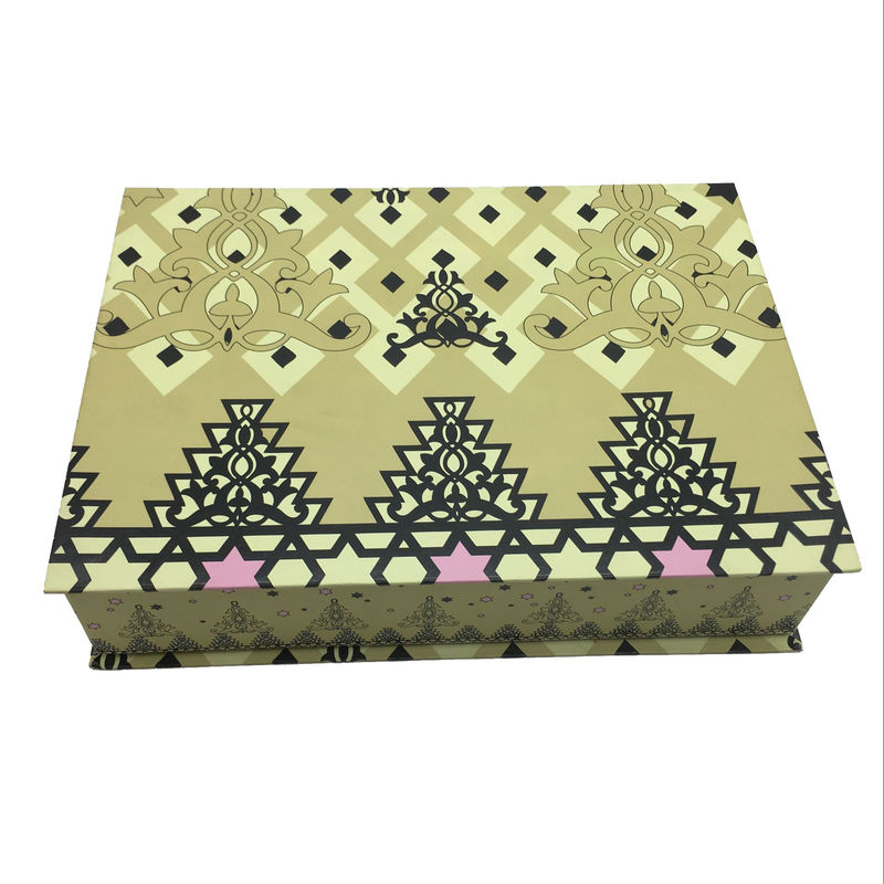 Art Paper Custom Clothing Packaging Boxes , Folding Apparel Gift Boxes